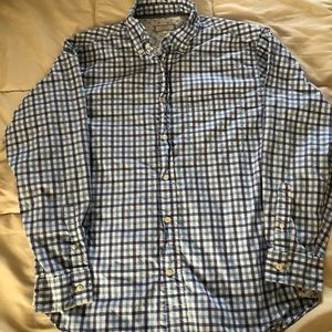 Men's Old Navy button down long sleeve shirt